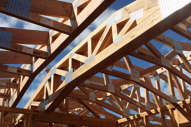trusses-vs-rafters-2 & Which is Better: Roof Trusses or Stick Framing? Part 1 | Gould ... memphite.com